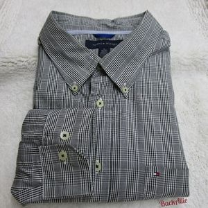 Tommy Hilfiger black/gray checkered long sleeve XL